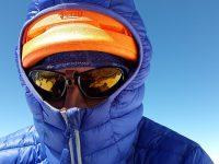 急に寒くなりすぎてユニクロのダウンジャケットが手放せなくなった